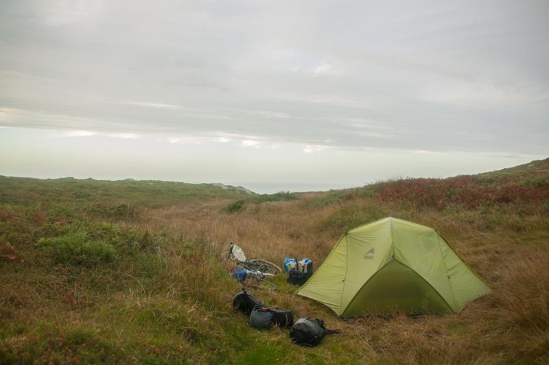 wild-camp-next-to-cabo-tourinan-lighthouse